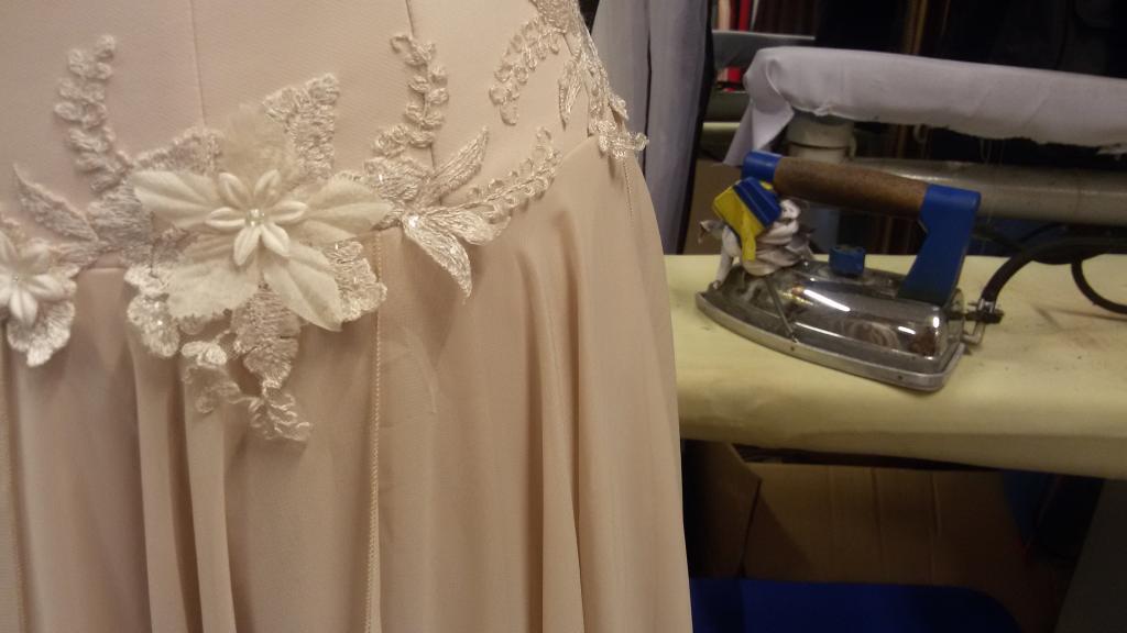 vestuvinės suknelės dekoracijos tvarkymas