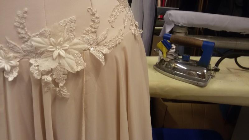 vestuviniu-sukniu